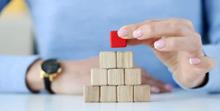 hand wood squares pyramid