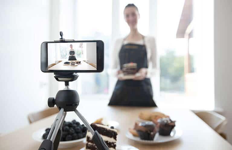 influencer recording video phone